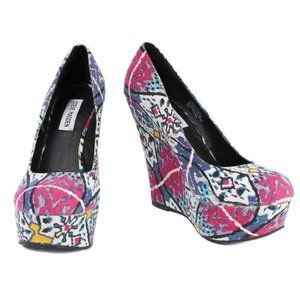 STEVE MADDEN Colorful Ikat Pattern Platfrom Wedges